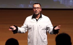 Franck Rageade - Conférence Frankenstein - Jeux de mains