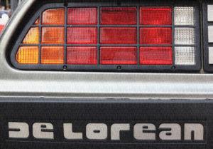 Rétro vers le futur - phare de DeLorean
